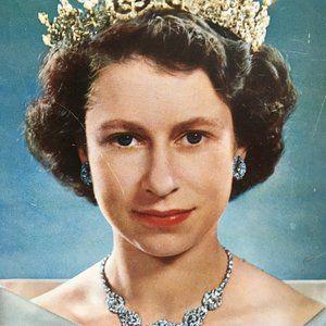 Vintage Metal Tray E & R Queen Elizabeth